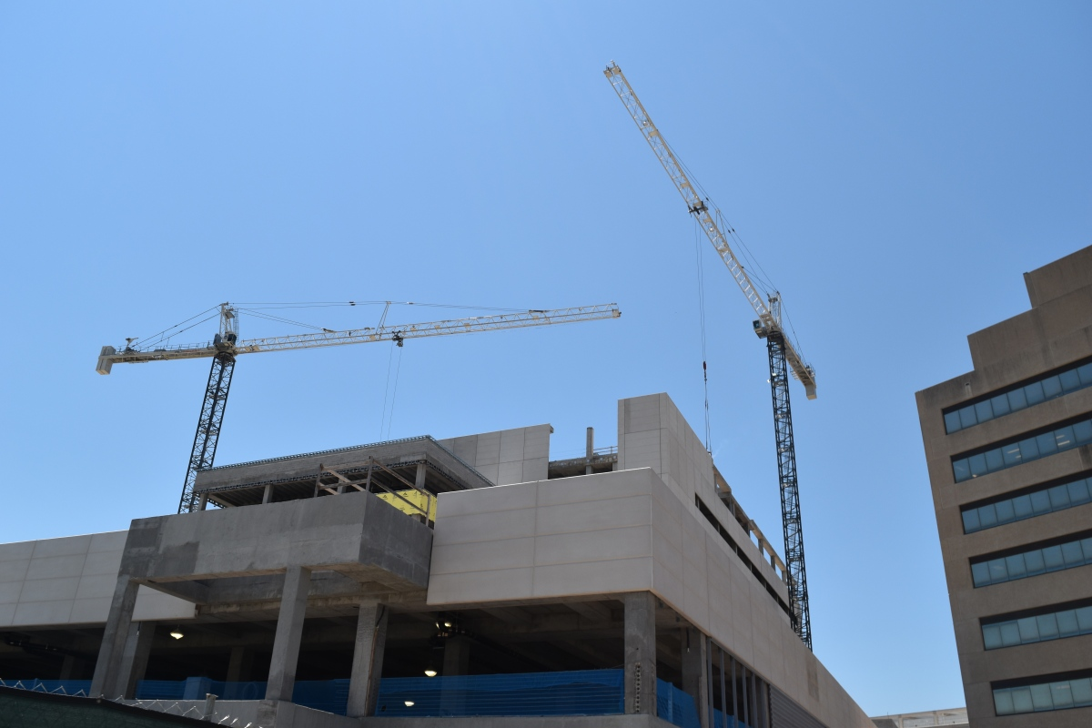 UT Southwestern Medical Center's construction project's history and growth.
